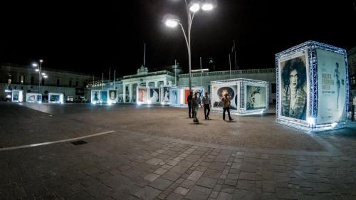 20170527 EU-MFW-Photo-Exhibition-@-Pjazza-San-Gorg-lit-up-Day-5 Taz-Gardner-1